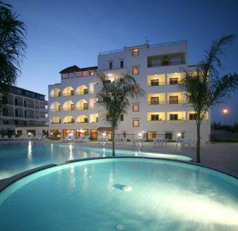 371_hotel-forte-gargano_3-piscina.jpg