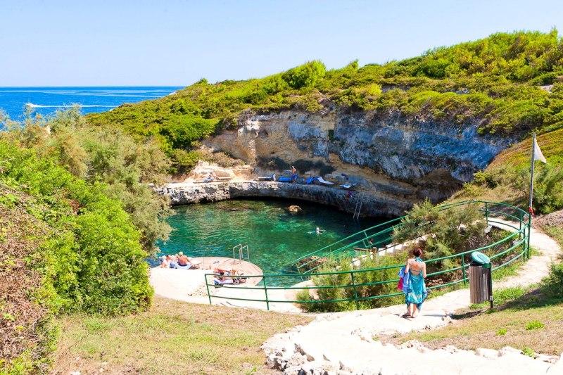372_le-cale-d-otranto-beach-resort_piscina-naturale-villaggio2.jpg