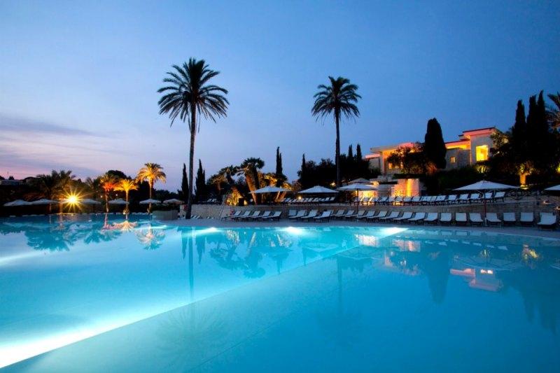 372_le-cale-d-otranto-beach-resort_piscina-principale.jpg