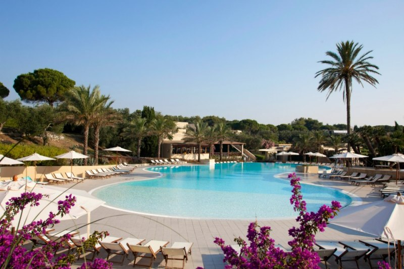 372_le-cale-d-otranto-beach-resort_piscina-principale2.jpg