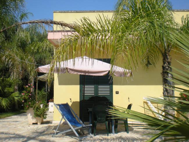 387_masseria-lama_veranda-attrezzata.jpg