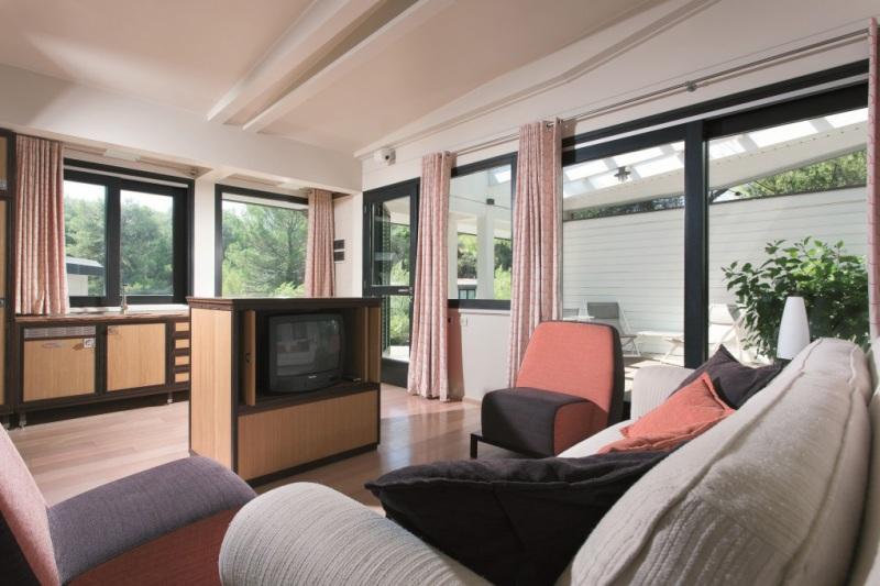 419_alborea-eco-lodge-suites_lodge-living.jpg