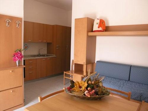 41_costa-del-salento-village-hotel_costa_del_salento_soggiorno3.jpg