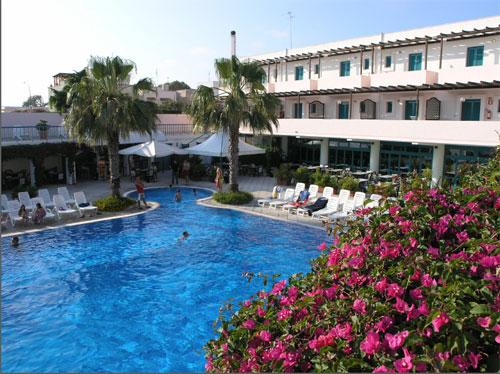 Prenotazione villaggi lido marini ricerca offerte turistiche per vacanze al mare salento puglia - Residence puglia mare con piscina ...