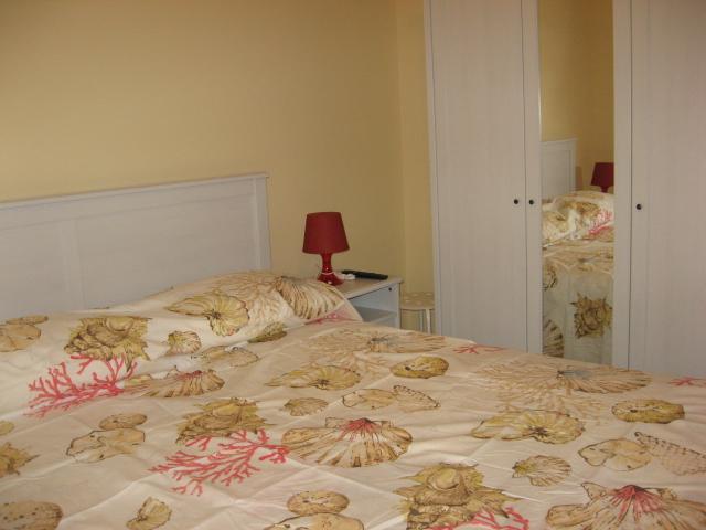 420_appartamento-rosmini-gallipoli-trilocale_camera-letto.jpg