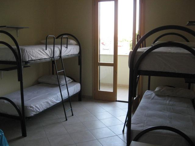420_appartamento-rosmini-gallipoli-trilocale_cameretta.jpg