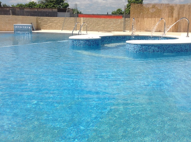 421_residence-a-frassanito-la-pineta-otranto_piscina.jpg