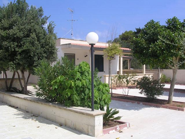421_residence-a-frassanito-la-pineta-otranto_vista-appartamenti.jpg