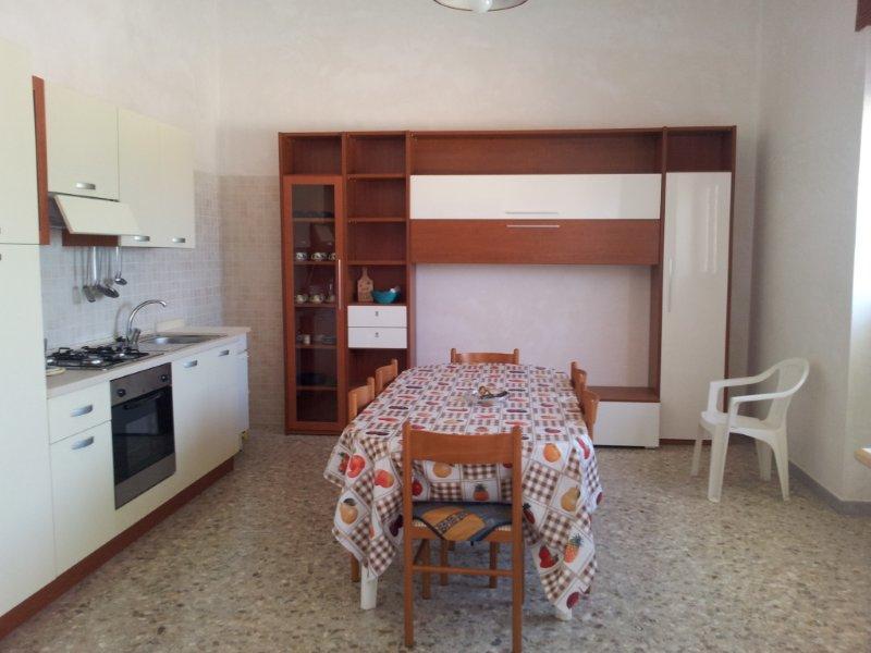 422_villetta-annibale-038-torre-san-giovanni_soggiorno.jpg