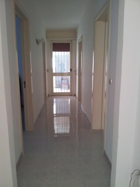 423_villetta-a-100-metri-dalla-spiaggia-a-porto-cesareo-d4_corridoio.jpg
