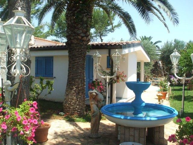 425_monolocali-fronte-mare-a-marina-di-alliste-034_giardino.jpg
