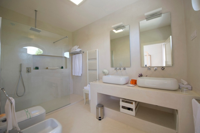 426_tenuta-furnirussi-serrano-grecia-salentina_junior-suite-deluxe-bagno.jpg