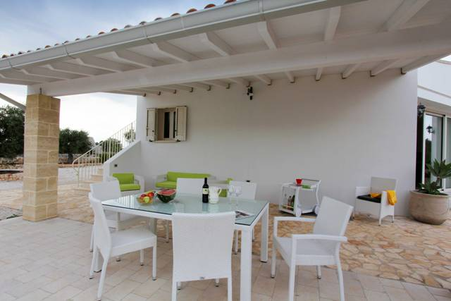 Villa giardini di elias morciano di leuca puglia for Foto di case mediterranee