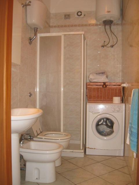 433_bilocale-mediterraneo-in-residence-a-gallipoli_bagno.jpg
