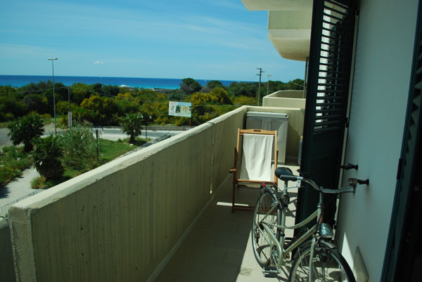 433_bilocale-mediterraneo-in-residence-a-gallipoli_balcone.jpg