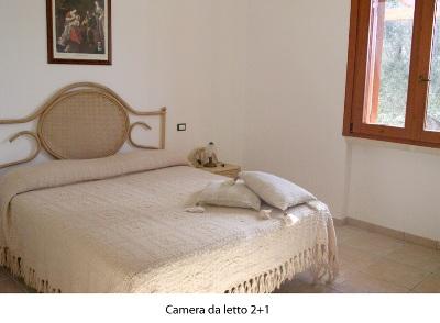 435_trullo-clara-tra-marina-di-mancaversa-e-torre-suda_camera-letto.jpg
