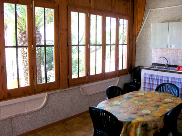 438_appartamento-il-pino-torre-suda_soggiorno.jpg