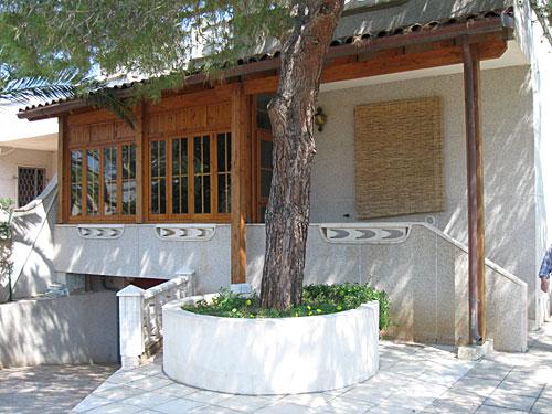 438_appartamento-il-pino-torre-suda_veranda.jpg