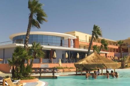 43_esperia-palace-hotel_piscina2.jpg