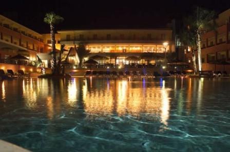 43_esperia-palace-hotel_piscina_notturna.jpg