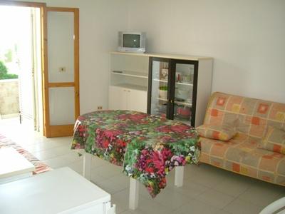 441_bilocale-monolocale-residence-oleandri-a-lido-marini_soggiorno.jpg