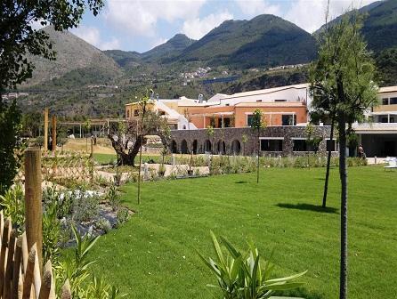 451_borgo-di-fiuzzi-resort-spa_esterno2.jpg