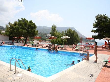 452_villaggio-marina-del-capo_piscina_2.jpg