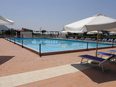 455_cora-club-village_piscin.jpg