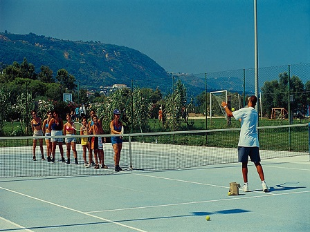 455_cora-club-village_tennis.jpg