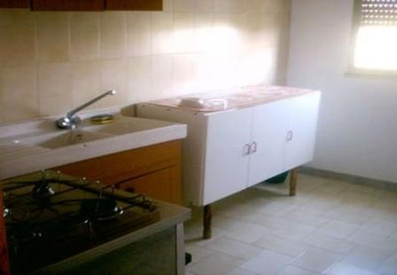 46_palazzo-lido-delle-sirene_palazzo.lido_delle_sirene_porto_cesareo_cucina.jpg