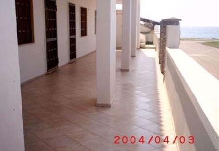 46_palazzo-lido-delle-sirene_palazzo.lido_delle_sirene_porto_cesareo_veranda.jpg