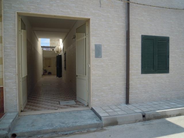 471_appartamenti_alvaro_a_torre_lapillo_esterno-corridoio.jpg