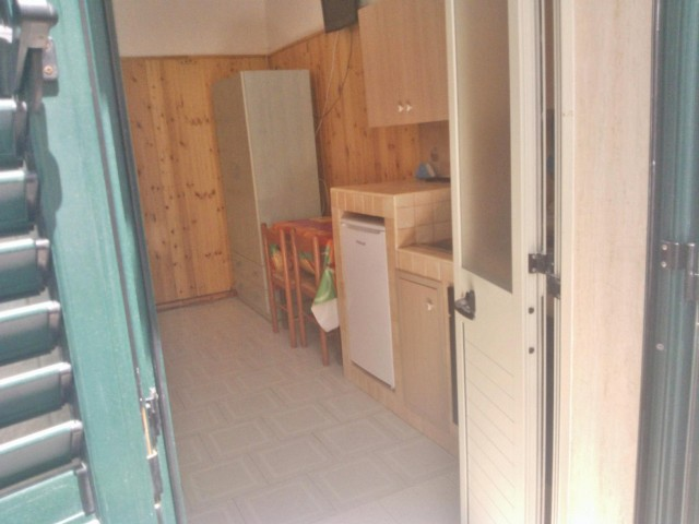471_appartamenti_alvaro_a_torre_lapillo_mono_entrata2.jpg
