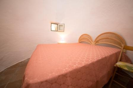 479_villa-ada_camera-matrimoniale-trullo.jpg