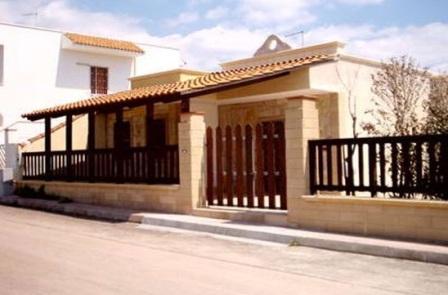 47_villa-lido-delle-sirene_villa_lido_delle_sirene_torre_lapillo_ingresso.jpg