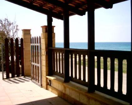 47_villa-lido-delle-sirene_villa_lido_delle_sirene_torre_lapillo_veranda.jpg