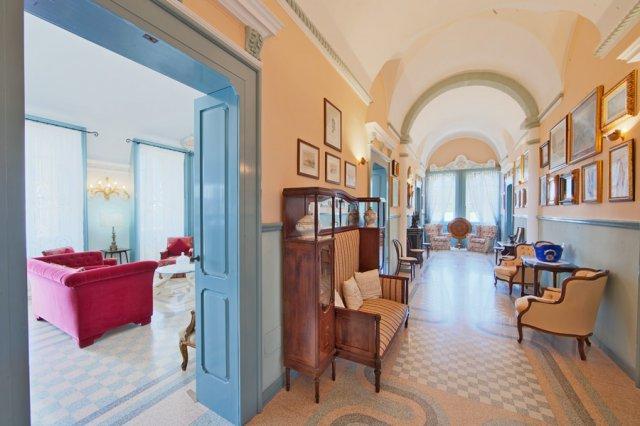 489_residence-villa-raffaella_villa_raffaella_interni_2.jpg
