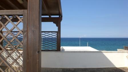 496_appartamento-benedetta_terra-gazebo-vista-mare.jpg