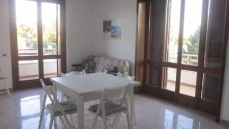 502_appartamento-bahia_soggiorno_con_2_ampie_porte-finestre.jpg