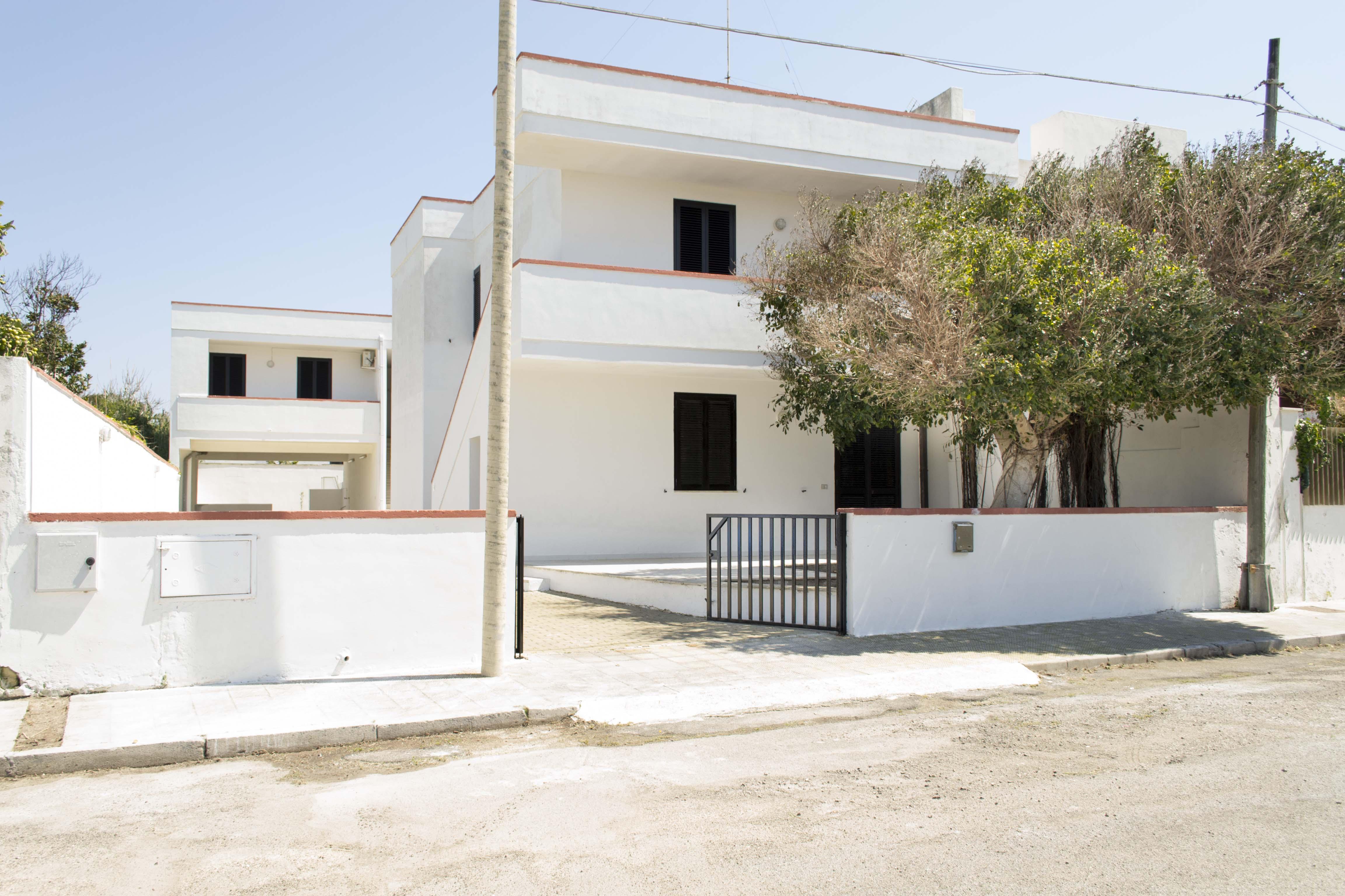 503_residence-petrarca_poesia_entrata.jpg