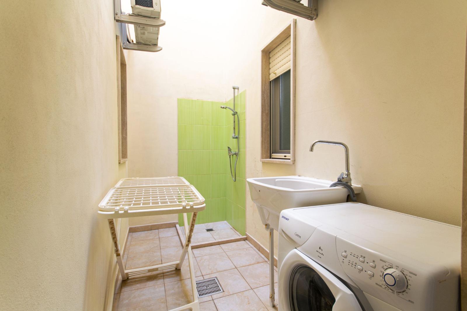 505_appartamento-volta_11._angolo_lavanderia.jpg