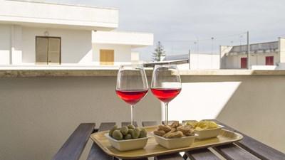 507_appartamenti-leopardi_leopardi_bilocale_primo_piano_balcone.jpg
