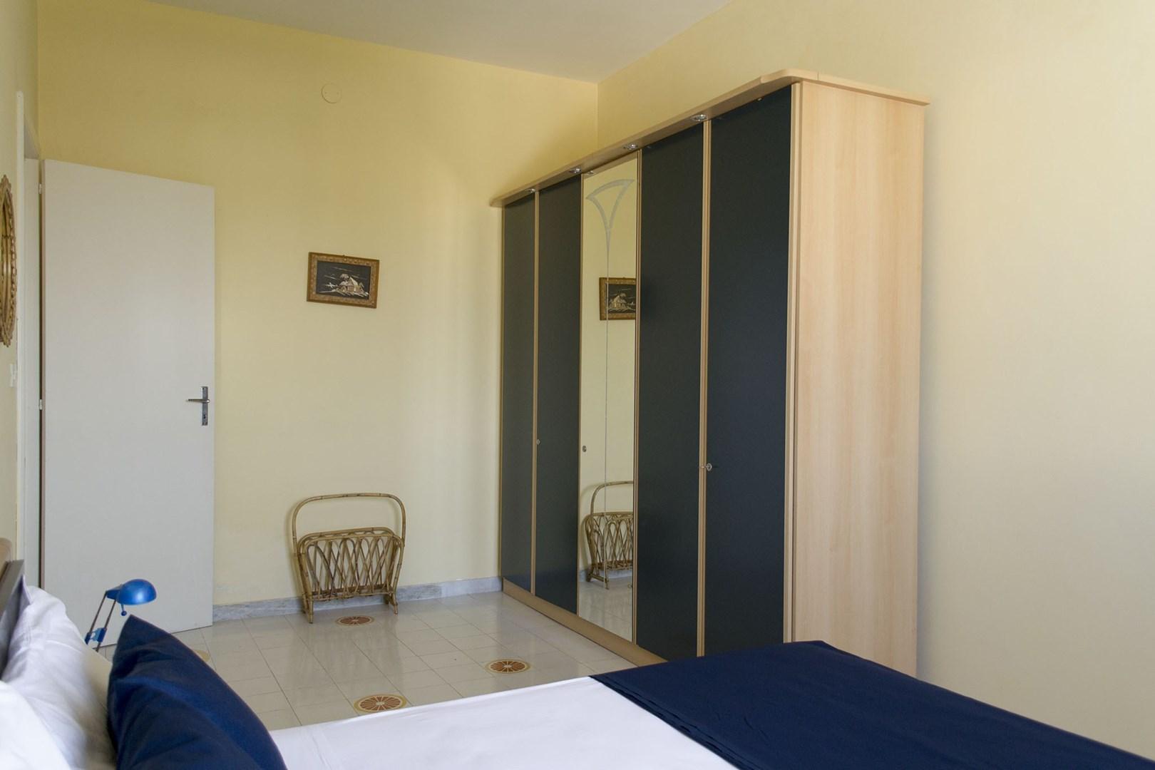 508_appartamento-lenin_camera_matrimoniale_2.jpg