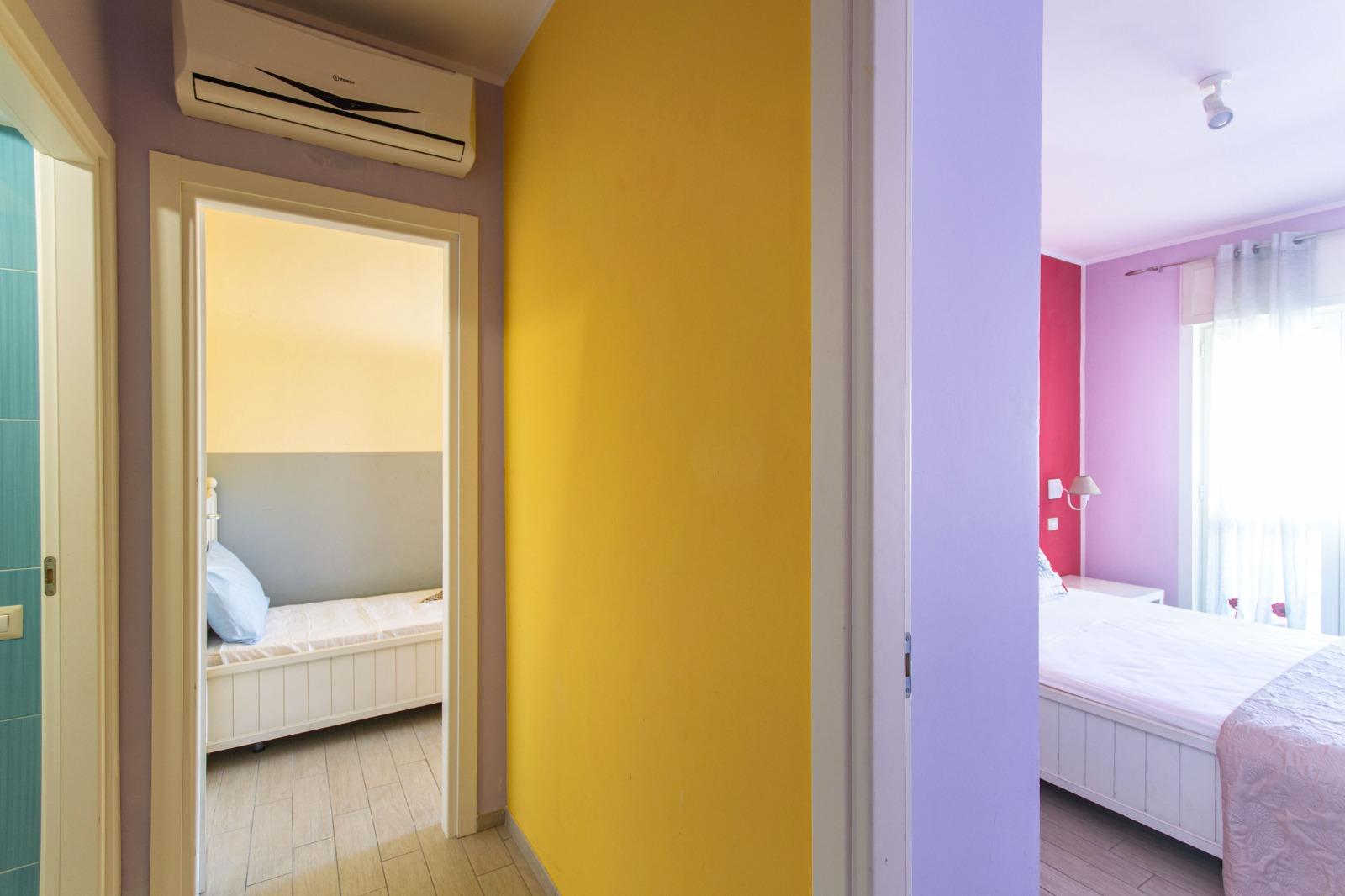 512_appartamento-volta-primo-piano_10._disimpegno.jpg