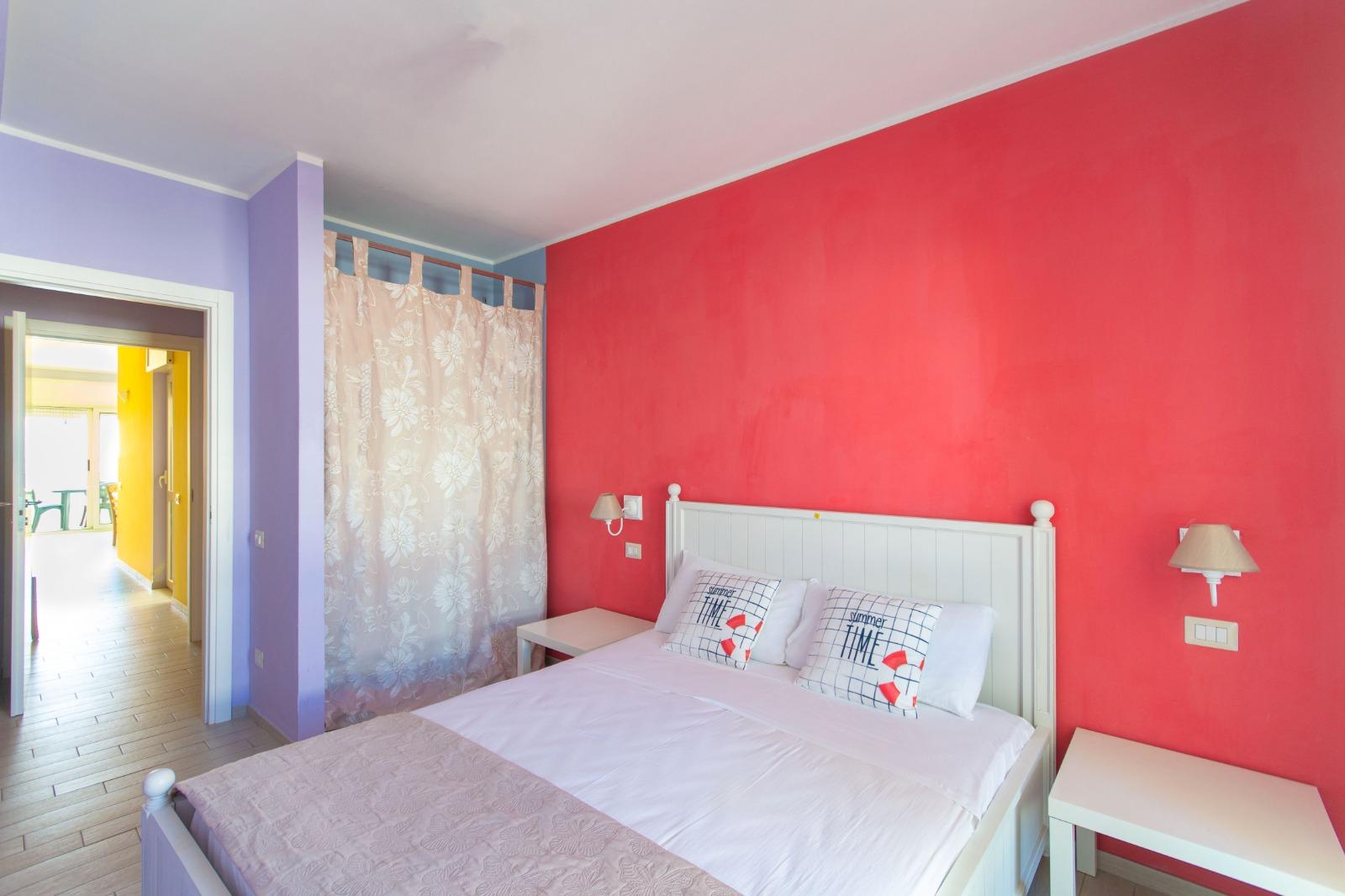 512_appartamento-volta-primo-piano_12._camera_matrimoniale.jpg