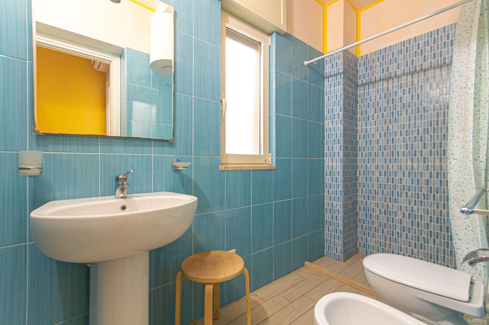 512_appartamento-volta-primo-piano_15._bagno.jpg