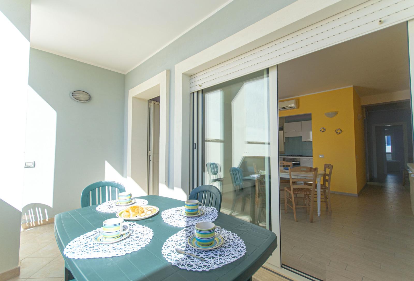 512_appartamento-volta-primo-piano_2._balcone_attrezzato.jpg