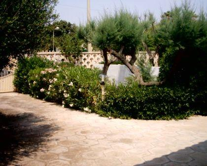 56_villetta-lido-delle-sirene_villetta_lido_delle_sirene_torre_lapillo_giardino_4.jpg