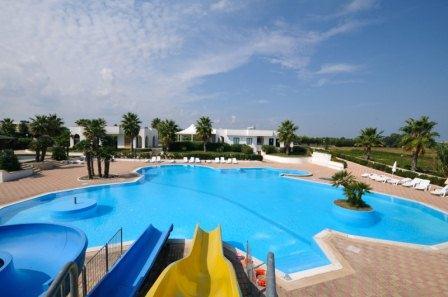 66_residence-rivazzurra_residence_rivazzura_torre_dell_orso_piscina.jpg