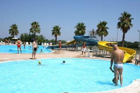 66_residence-rivazzurra_residence_rivazzura_torre_dell_orso_piscina_bambini.jpg
